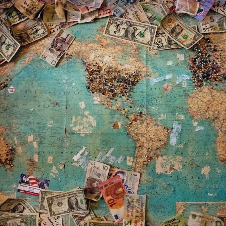 旅行代金が高い「土日休み」